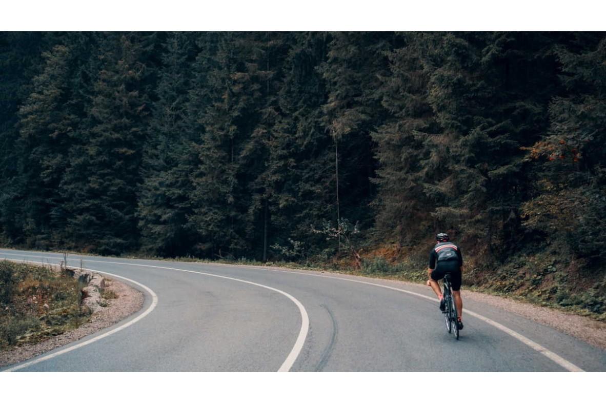 De ce este cel mai bine să pedalezi singur!
