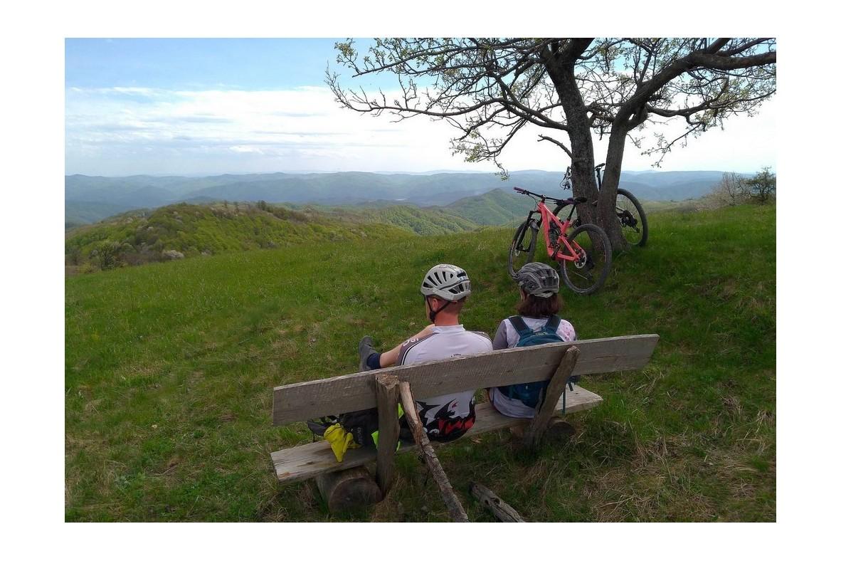 Almăj pe bicicletă, în Banatul Montan