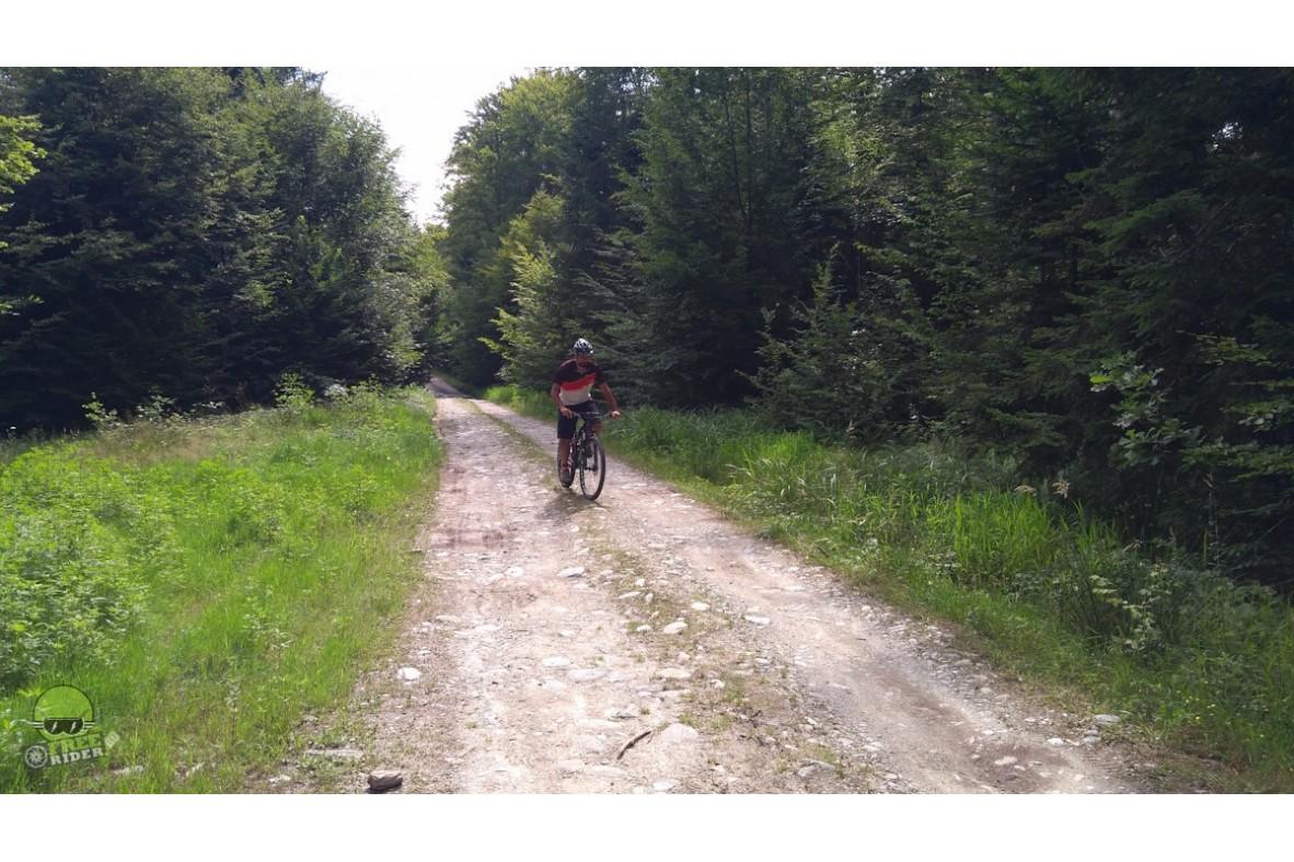 Traseu de 170 km recomandat pentru cicloturism la poalele Fagarasului