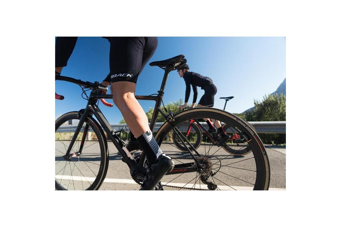 Bicicleta de șosea vs. triatlon. Ce să cumpăr și care sunt diferențele?